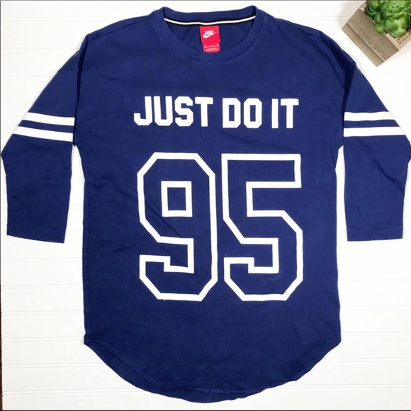 Nike Tops - Nike || Graphic Baseball Style Top Size M
